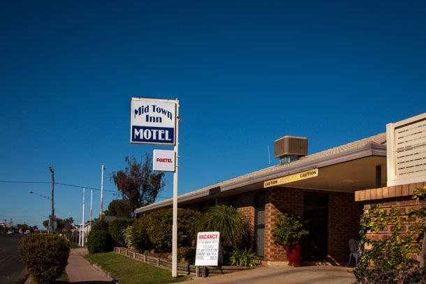 Mid Town Inn situated in a quiet secure location off the main Newell Highway.